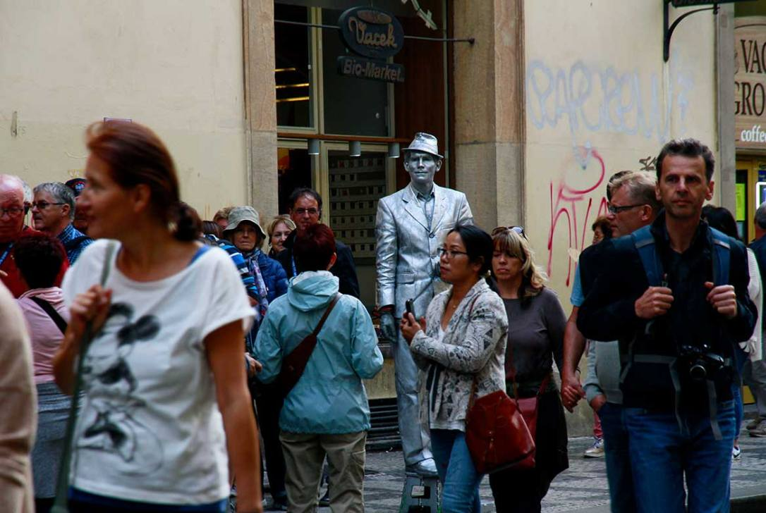 estatua-viviente-Praga-viaje