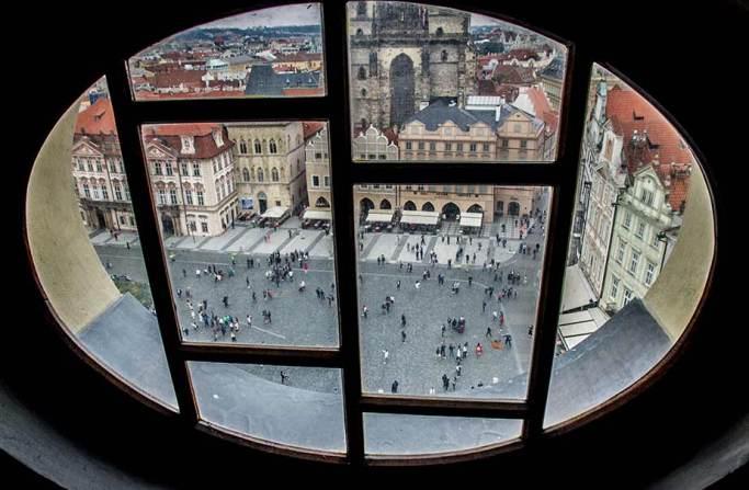 vistas-torre-ayuntamiento-escaleras-Praga