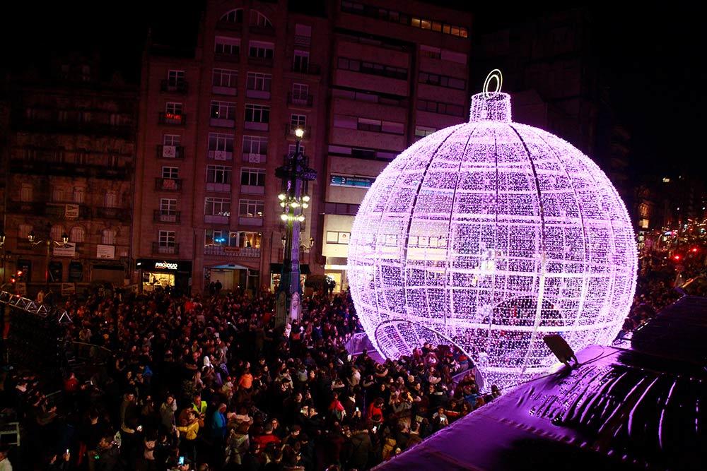 Bola de Navidad Gigante en Vigo