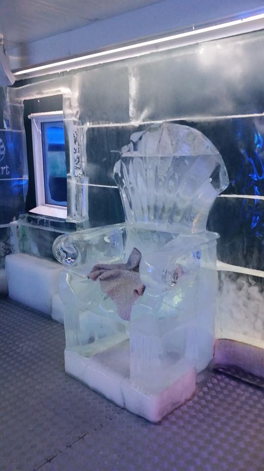 Asiento de hielo en el Ice Bar de Praga