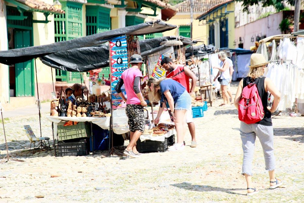 mercado-de-artesania-trinidad.jpg
