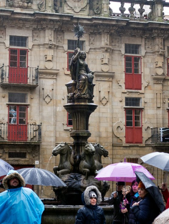 Estatua en la Plaza de las Platerías