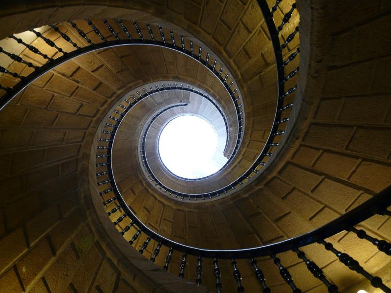 triple-escalera-helicoidal-en-santiago-de-compostela.jpg