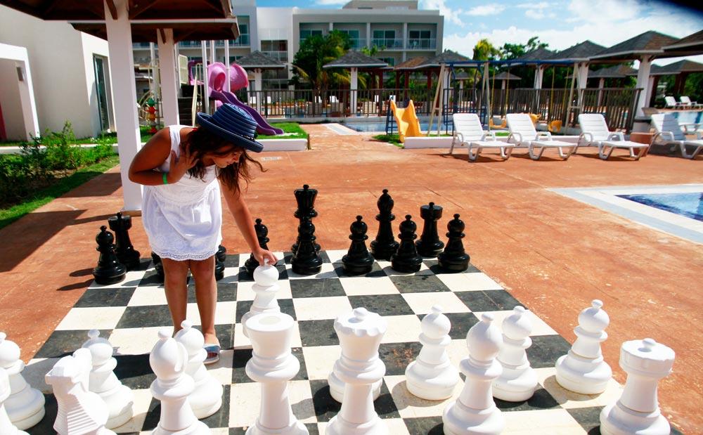 jugando-ajedrez-hotel-ocean-del-mar-cuba