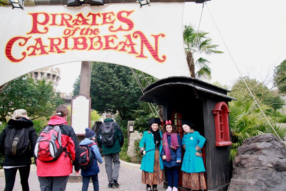La atracción Piratas del Caribe en Dsineyland Paris