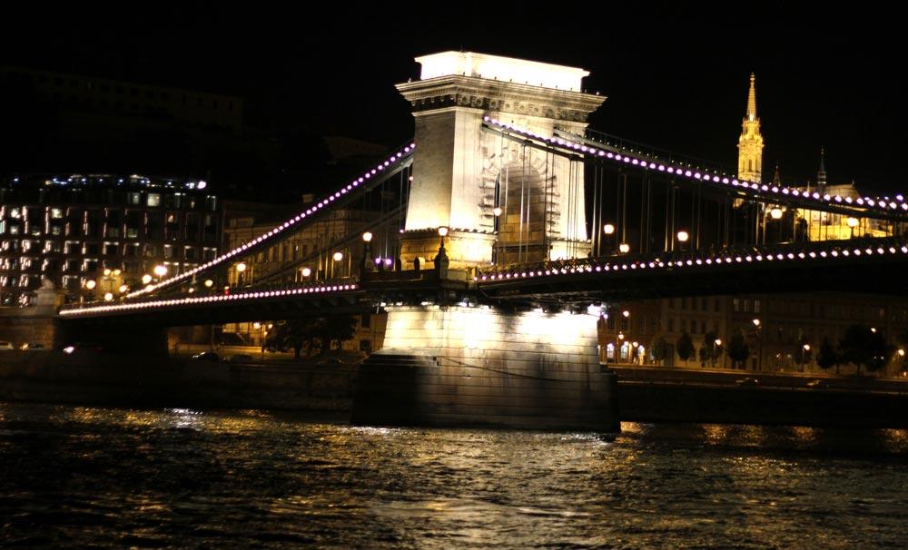 puentes-de-budapest-de-noche