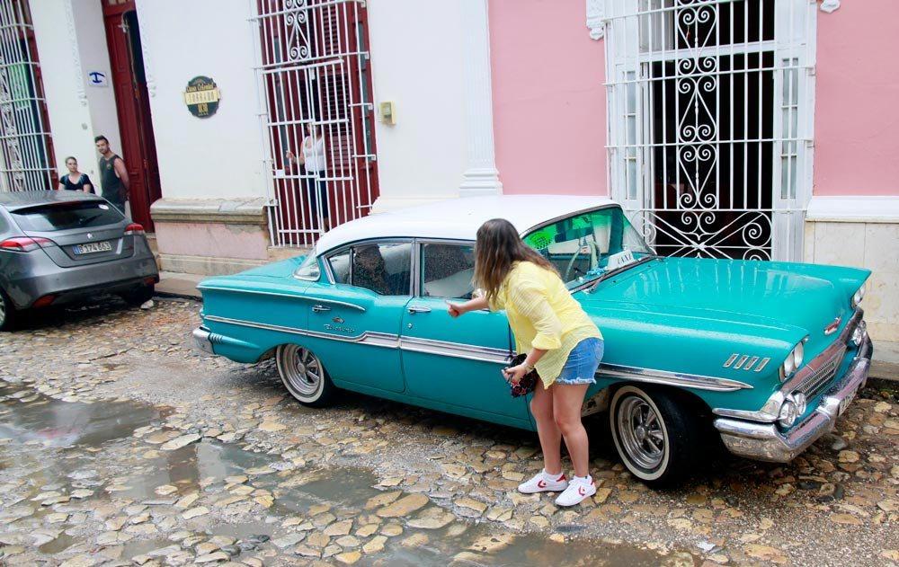 coche-antiguo-en-trinidad-cuba