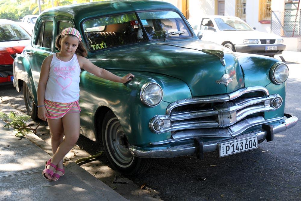 coche-verde-clasico-cuba