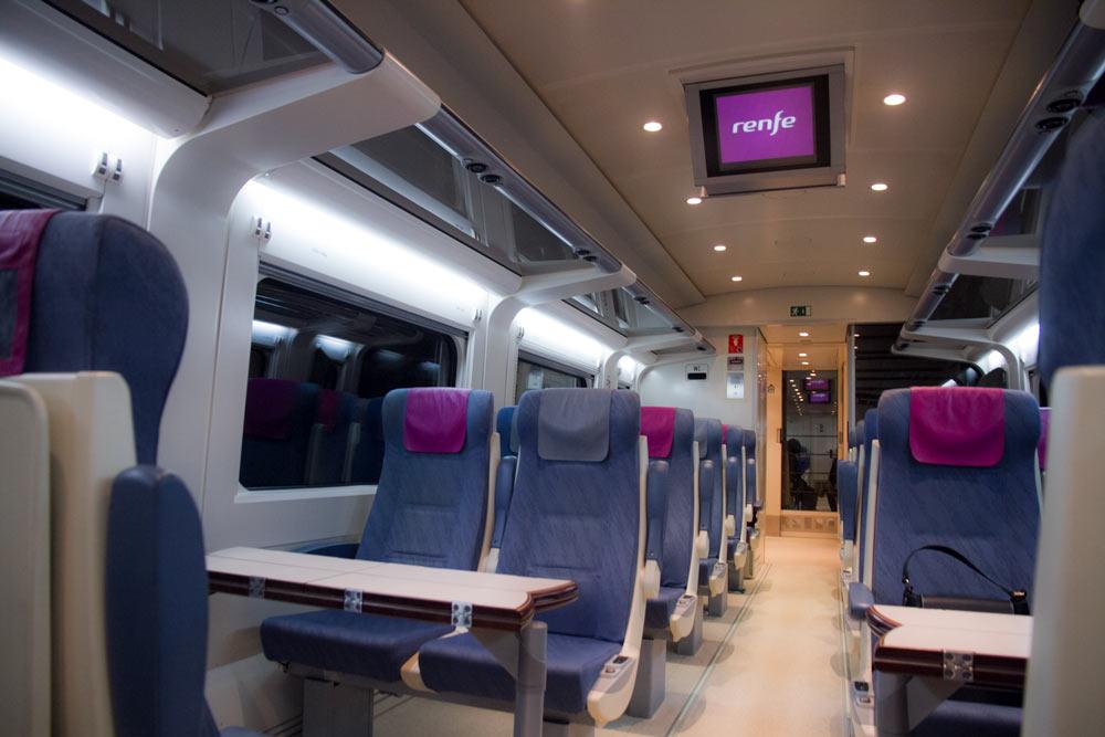 interior-tren-a-Santiago-de-Compostela