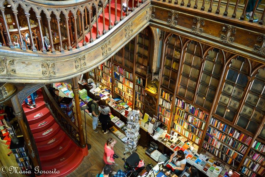 interior-libreria-lello-en-oporto