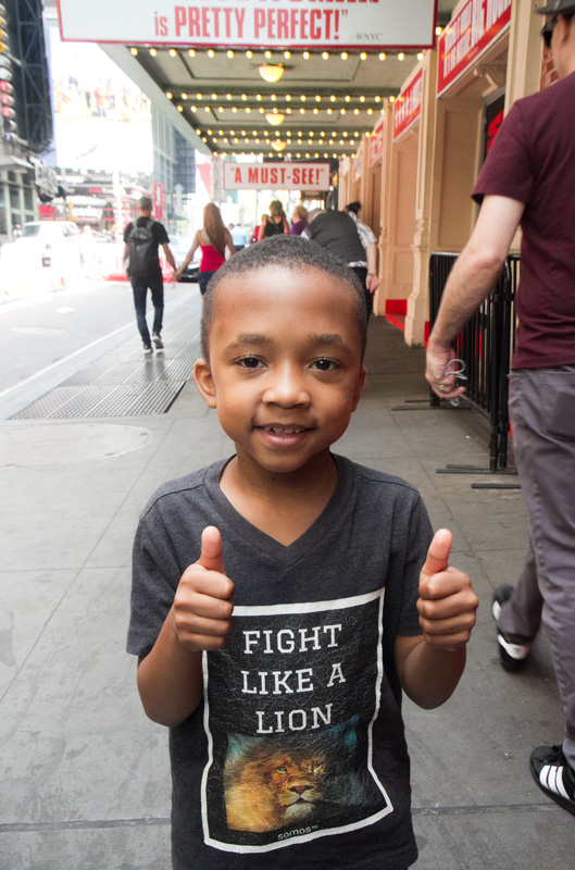 niño-newyorquino-en-las-calles
