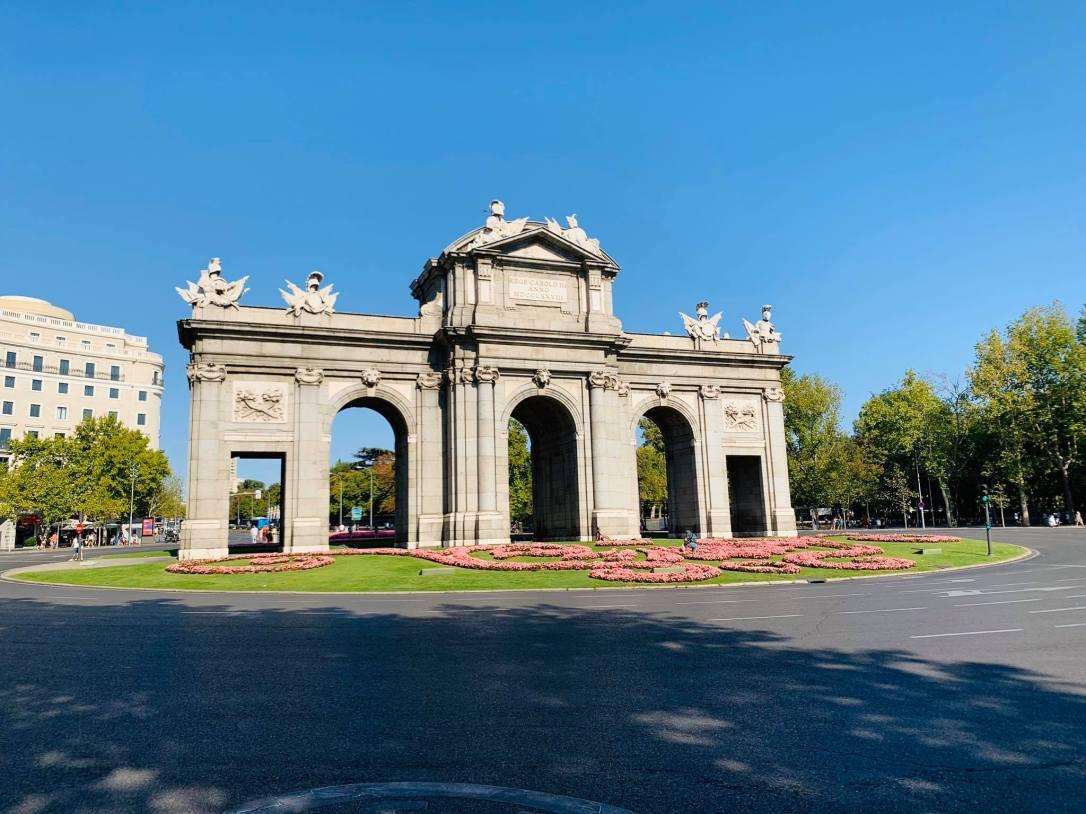 Puerta de Alcalá, Madrid.